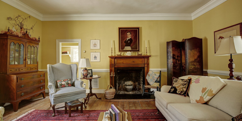 5636 Hopewell Rd New Kent VA-print-016-Living Room-4200x2800-300dpi