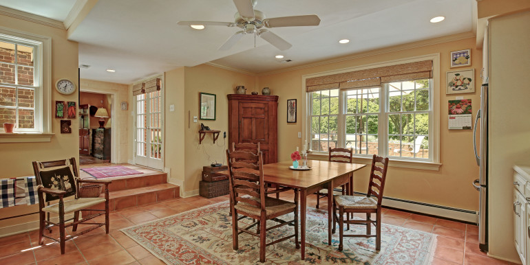 5636 Hopewell Rd New Kent VA-print-048-Breakfast Area-4200x2800-300dpi - Copy